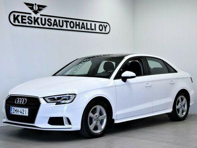 käytetty Audi A3 Sedan Pro Business Sport Edition 1,0 TFSI 85 kW S tronic - Lisälämmitin.Kauko.Kattoluukku.Koukku
