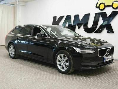 käytetty Volvo V90 Momentum AWD lisälämmitin / vakionopeussäädin / comfort-istuimet / automaattinen ilmastointi, 2-alue / Avaimeton käynnistys