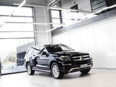 käytetty Mercedes GL350 BlueTEC 4Matic Aut + 7-Paikkainen + Nahat + Navi + Webasto + BiXenon + Tutkat + Vetok.