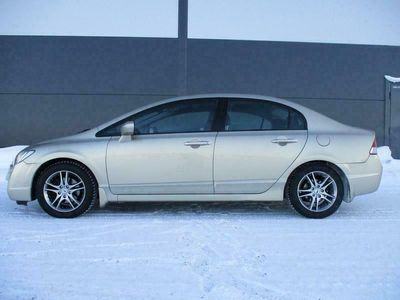 käytetty Honda Civic 1.8 Executive 4d AUT/AAC, *100% HUOLLETTU ERITTÄIN SIISTIKUNTOINEN CIVIC* RAHOITUS JOPA ILMAN KÄSIRAHAA