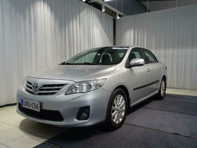 käytetty Toyota Corolla 1,6 Valvematic Linea Sol / VETOKOUKKU /