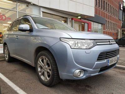 käytetty Mitsubishi Outlander P-HEV Instyle Navi 4WD 5P* NAVI, KOUKKU, REMOTE CONTROL, MOOTTORINLÄMMITIN + SISÄLÄMMITIN*