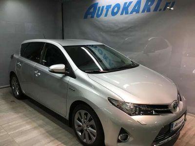 käytetty Toyota Auris 1,8 Hybrid Premium 5ov -1OMISTAJA-XENON-PKAMERA-