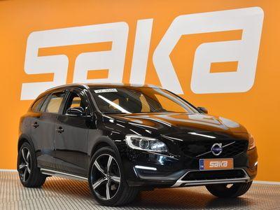 käytetty Volvo V60 CC D4 AWD Business Summum aut ** Webasto / Kattoluukku / Nahkasisusta **