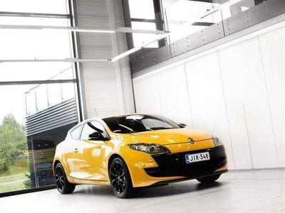 käytetty Renault Mégane RS 2,0 T 250hv + Urheiluistuimet + Bluetooth + BiXenon + Tutka + Juuri huollettu!