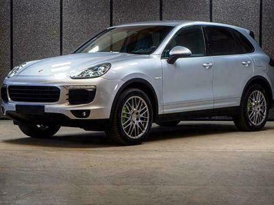 käytetty Porsche Cayenne S E-Hybrid Cayenne E- // Korko 1,9% // Sport chrono // Ilmastoidut penkit // Peruutuskamera // BOSE // Navi //