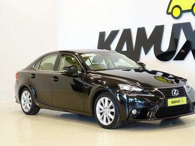 käytetty Lexus IS300h Executive Plus / Nahat / Tutkat / 2x Renkaat /