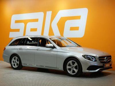 käytetty Mercedes E220 T A Avantgarde / LED AJOVALOT / TUTKAT / SPORTTI PENKIT /