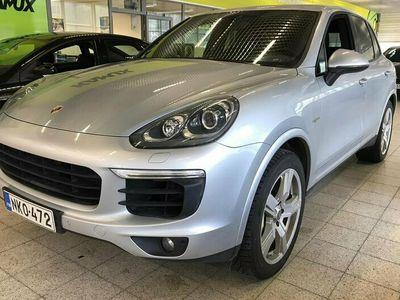 "käytetty Porsche Cayenne S E-Hybrid E- Platinum Edition / Bose / Panorama / Navi / 20"" vanteet"
