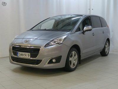 käytetty Peugeot 5008 Active BlueHDi 120 A 7p **RAHOITUS JOPA ILMAN KÄSIRAHAA**