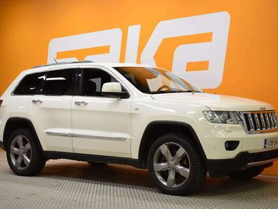käytetty Jeep Grand Cherokee 3,0 CRD Overland ** Webasto / Panorama / Ilmastoidut etuistuimet / Navi / KeyLessGo / Juuri tullut K