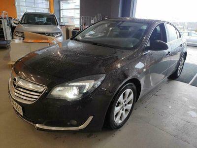 käytetty Opel Insignia 5-ov Edition 2,0 CDTI 120kW AT6 ** Webasto / Koukku / Navi / Sporttipenkit / P.tutkat / Xenon **