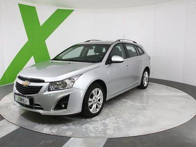 käytetty Chevrolet Cruze SW LT Launch Edition 1,8 141hv Aut (MY13) *KORKO 0,69% alk! KAARA KESÄX KAMPPIX!!* KUIN ROBINSON CRU