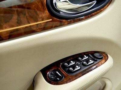 käytetty Jaguar XJ8 Daimler