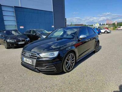 käytetty Audi S3 Compact Coupé 2,0 TFSI 221 kW quattro S tronic ** Suomiauto / Webasto / Huippusiisti! **