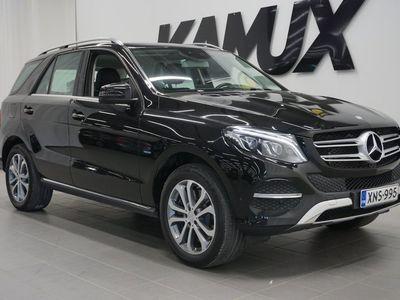 käytetty Mercedes GLE500 e 4Matic / Black Weekend - ERIKOISHINTA! / ALV / 1-omistaja / Suomi-auto / Vetokoukku /