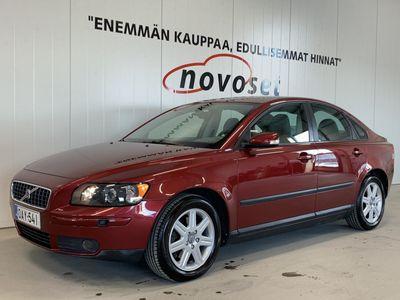 käytetty Volvo S40 2.4i Kinetic Business Aut. *VAKKARI/HIENO/LOHKOLÄM.* *1.99% KORKO, KOTIINTOIMITUS VELOITUKSETTA!*