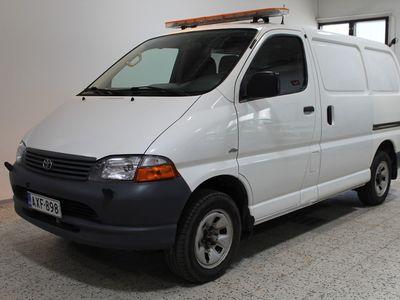 käytetty Toyota HiAce 2,5 D-4D 100 5ov lyhyt 4WD