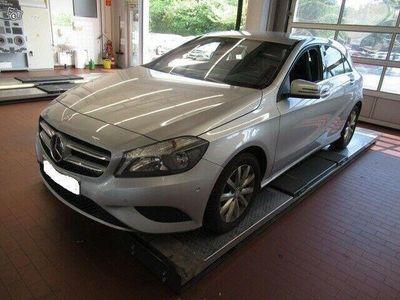 käytetty Mercedes A180 bensa