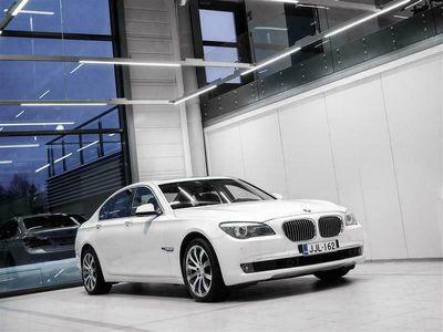 käytetty BMW 730 d F01 Sedan Aut + Nahat + Navi + TV + Keyless Go + HUD + BiXenon + ACC + Tutkat