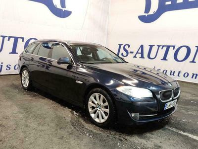 käytetty BMW 525 d A Touring F11 Sport * Xenonit / prof.navi / Sporttipenkit / alletaittuva koukku * Kotiintoimitus * Vaihto ja R...