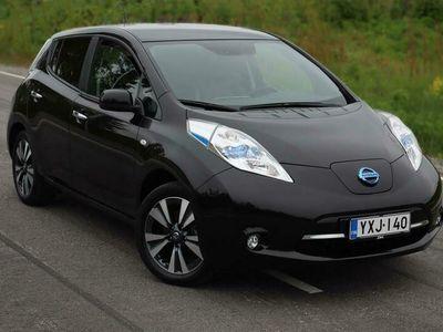 käytetty Nissan Leaf Tekna Leather NAVI (MY18) *HUNAJA-KAMPPIX!* KORKO ALK.0.69%!* KUKKAHATUN PÄIVÄUNI!*