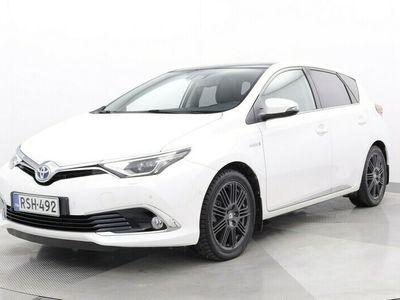 käytetty Toyota Auris 1,8 Hybrid Premium - Vähän ajettu,Panorama-kattoikkuna