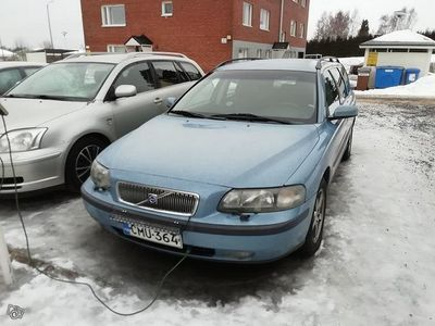 käytetty Volvo V70 2,4 - 03