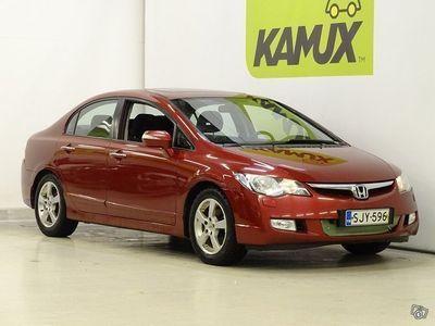 käytetty Honda Civic 4D 1,8i Executive // Suomi-auto / huoltokirja / vakionop.säädin / Vetokoukku //