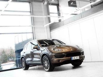 käytetty Porsche Cayenne Diesel Neliveto Aut + Nahat + Navi +Tutkat + Vetokoukku *** Korkotarjous 0,99%* / Kasko 290€**