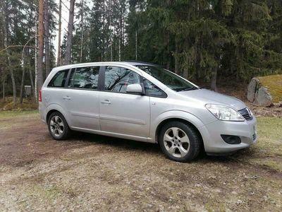 käytetty Opel Zafira 5-ov Enjoy 111 Ultimate 1,7 CDTI EcoFLEX / 7-PAIKKAINEN