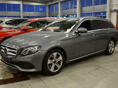 käytetty Mercedes E220 T A Premium Business ** ALV / Juuri huollettu & katsastettu / Widescreen / Distronic / COMAND / P-kamera / LED **