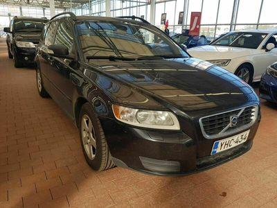 käytetty Volvo V50 1,6D (110 hv) man *SUOMI-AUTO TÄYDELLÄ HUOLTOHISTORIALLA*