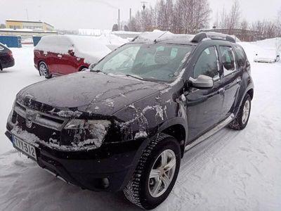 käytetty Dacia Duster 4x4 1,5 dCi 109hv 6MT Laureate - Neliveto / Vetokoukku 2x Renkaat, 1-Omisteinen