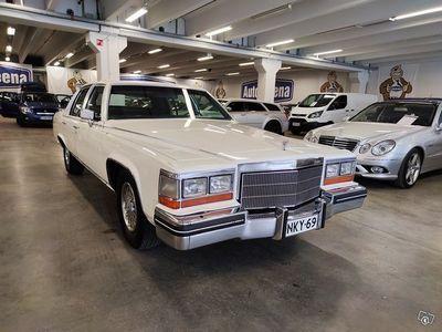 käytetty Cadillac Fleetwood