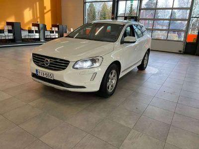 käytetty Volvo XC60 D4 Business Summum out / ** 1-Om Suomi-Auto / Vetokoukku / Merkkiliikkeen huoltokirja **