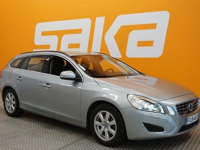 käytetty Volvo V60 D4 Momentum Edition Business aut - Rahoitus 1,89%, Rahoitus jopa ilman käsirahaa! Webasto, Xenon, P-tutka, Cru...
