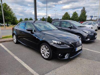 käytetty Lexus IS300h Luxury *Navi, puolinahat, täyd. merk. h-kirja* *** J. autoturva saatavilla, J. kotiintoimitus