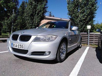 käytetty BMW 318 e91 d juuri katsastettu
