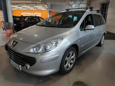 käytetty Peugeot 307 SW Premium Plus 1,6 ** Suomi-auto / Lasikatto / Koukku / Vakkari / Lohkolämmitin **
