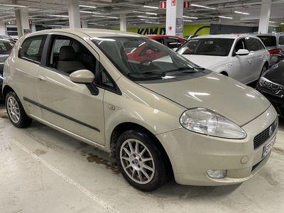 käytetty Fiat Grande Punto 1,4 16V 95 Dynamic 3D / MYYDÄÄN HUUTOKAUPAT.COM / LEIMAA 08/21 / ILMASTOITU / SUOMI-AUTO /