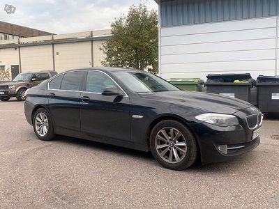 käytetty BMW 520 TwinPower Turbo Sport A F10 Sedan Business ** Suomi-auto / Cruise / Tulossa Konalaan **