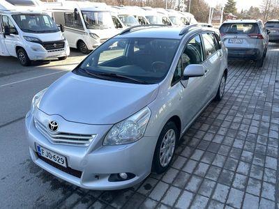 käytetty Toyota Verso 1,8 Valvematic Linea Sol - Auto myydään huollettuna / Vetokoukku / Automaatti-ilmastointi / Vakionop
