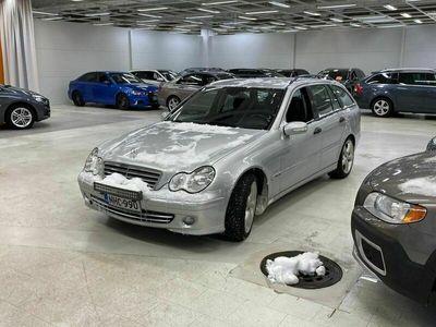 käytetty Mercedes C180 Kompressor T A ** Suomi-auto / Sporttipenkit / Nahkasisusta / Lohkolämmitin / Sporttipaketti **