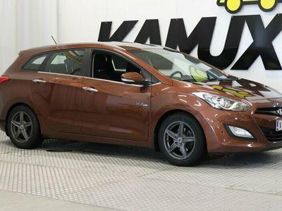 käytetty Hyundai i30 Wagon 1,6 GDI 6MT ISG Style ** Suomi-auto / Sähköpenkki / Bluetooth / KeyLessGo / Tutkat **