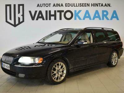 käytetty Volvo V70 2,5T Classic Summum Sportswagon 210HV! # HYVIN VARUSTELTU SUOMI V70! # Muistipenkit sähköllä, Nahat, Xenon, Koukku #