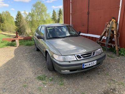 käytetty Saab 9-3 ajoaikaa 2/2021