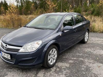 käytetty Opel Astra Sedan Enjoy 1,6 Twinport XER 85kW/115hv M5