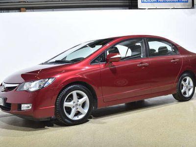 käytetty Honda Civic 1.8 Executive 4d **Korkotarjous 1,95% + kulut**