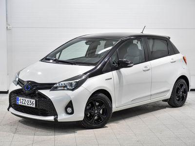 käytetty Toyota Yaris 1,5 Hybrid Style - Style-varusteltu hybridi, peruutuskamera, navigointi yms.